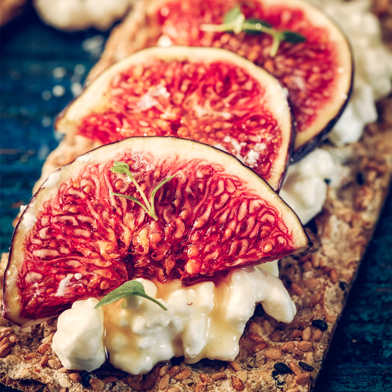 Fig & Cottage Cheese Crackers