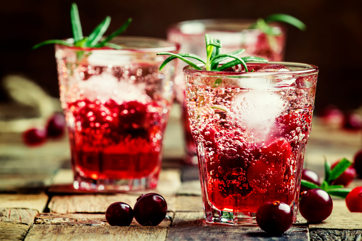 Cranberry vodka spritzer