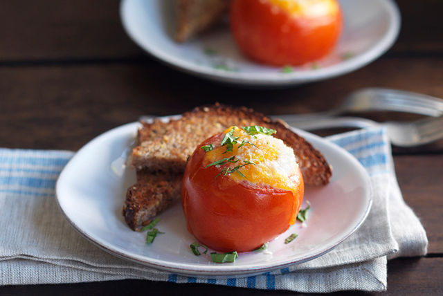 Cheesy Baked Eggs in Tomato Cups for Two Recipe List - SaleWhale.ca