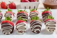 Chocolate-Drizzled Dipped Strawberries
