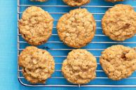 Oatmeal, Cinnamon and Date Cookies