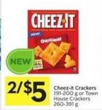 Cheez-it Crackers 191-200 g or Town House Crackers 260-391 g