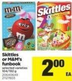 Skittles Or M&m's Funbook - 104/192 g