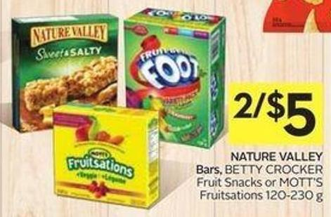 Nature Valley Bars - Betty Crocker Fruit Snacks or Mott's Fruitsations 120-230 g