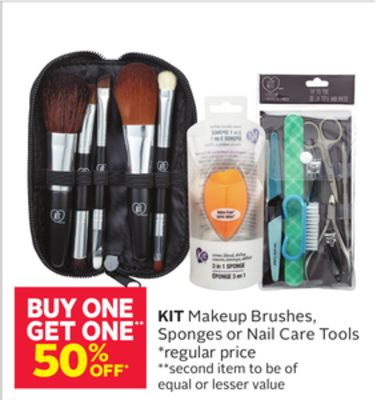 Kit Makeup Brushes - Sponges or Nail Care Tools
