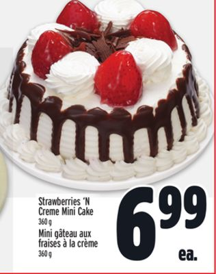 Strawberries 'N Creme Mini Cake