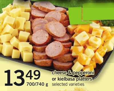 Cheese & Pepperoni Or Kielbasa Platters 700/740 g